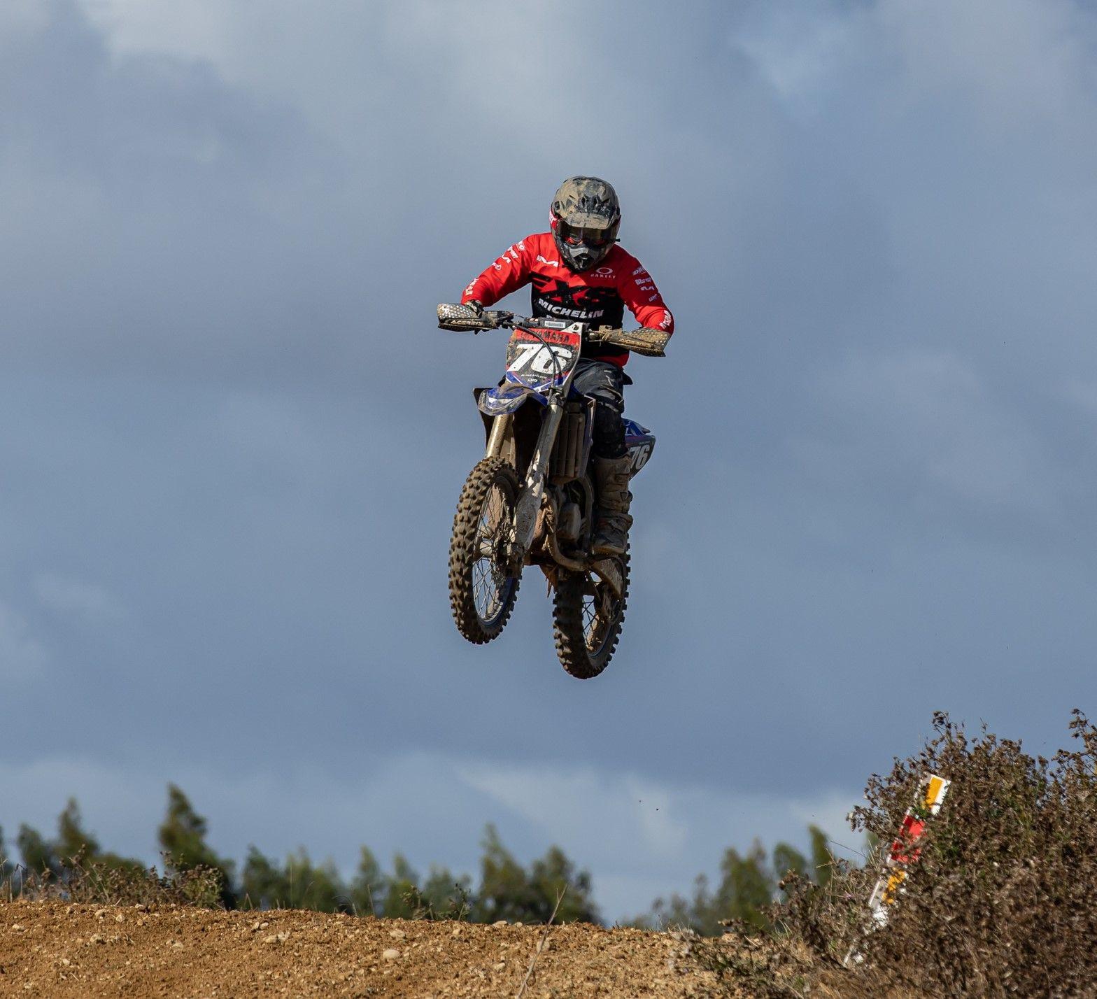 Cross Country Motocross Champ